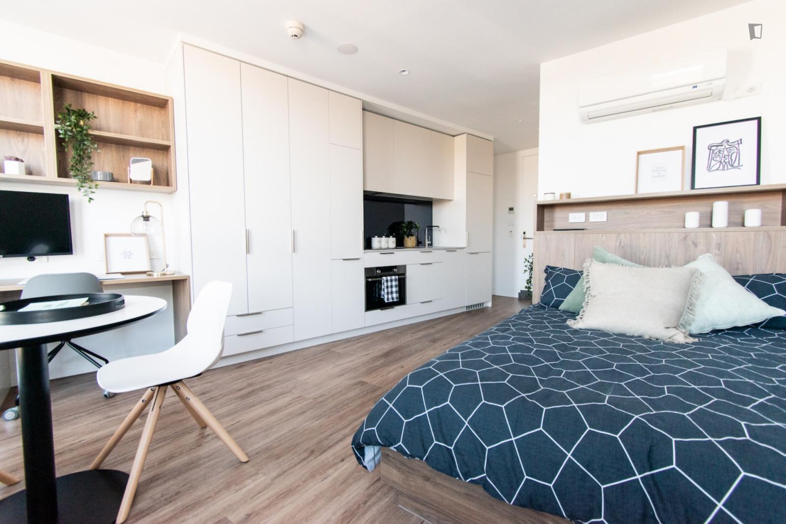 Leonard Street, Melbourne, KY - 2,431 USD/ month
