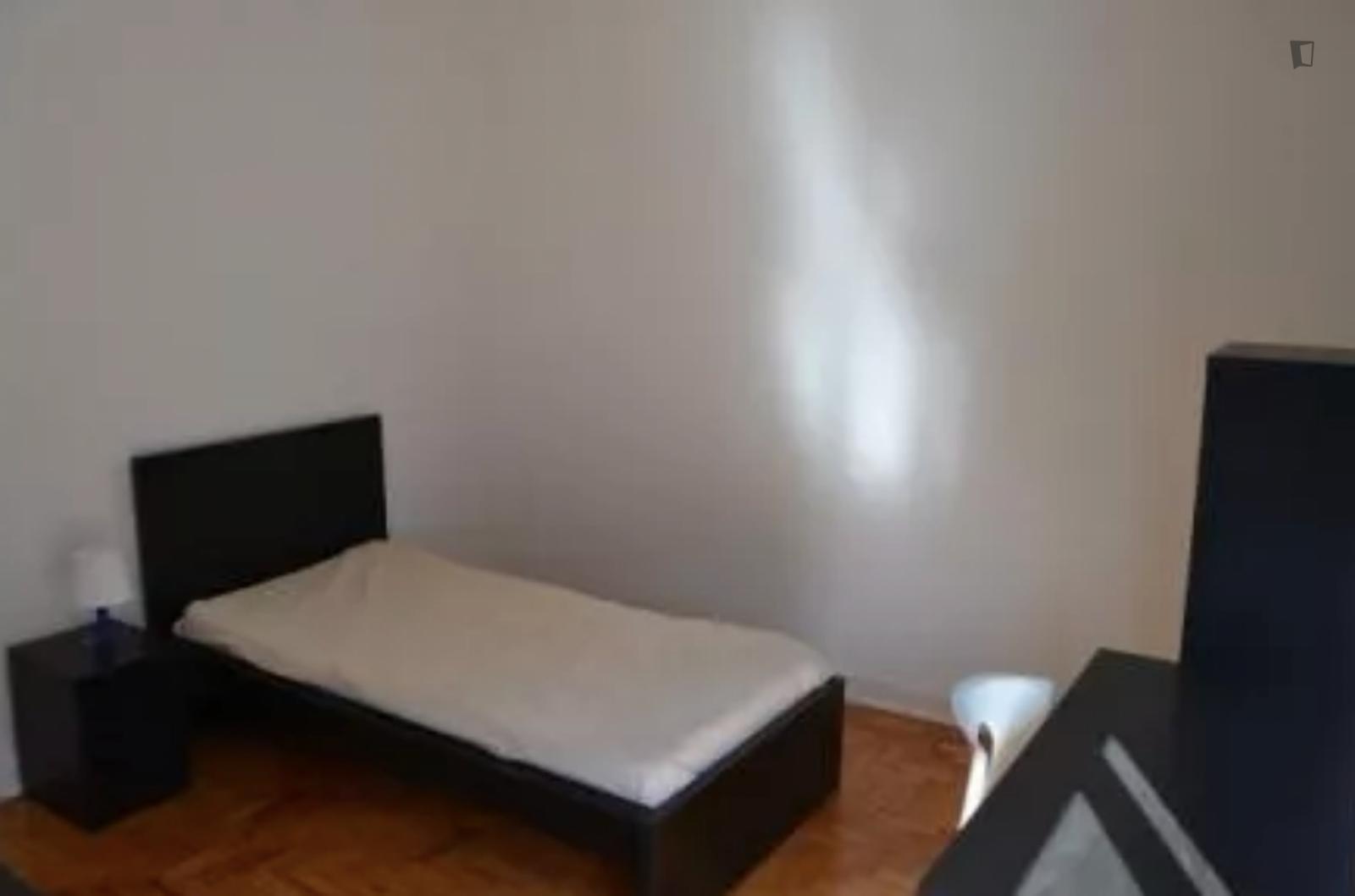 R. da Alegria, Coimbra, PT-06 - 290 EUR/ month