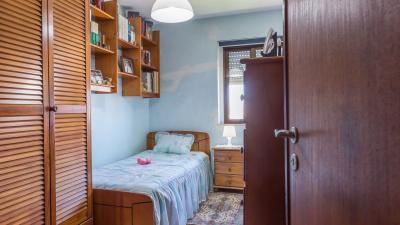 Single bedroom in a 3-bedroom flat near Porto Business School