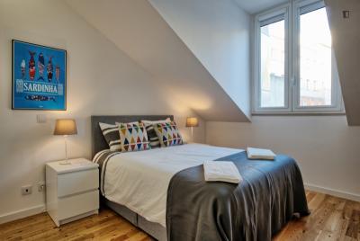 Cool 3-bedroom apartment near Monumento aos Restauradores