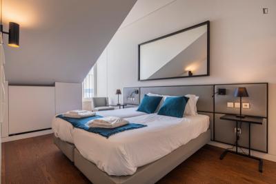 Modern 1-bedroom apartment near Jardim Dom Luis