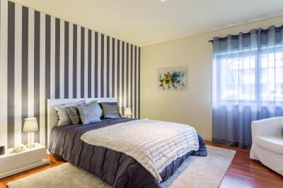 Delightful double bedroom in a modern apartment with a great view to Foz do Douro