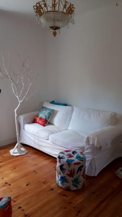 Very neat 2-bedroom apartment in Xabregas