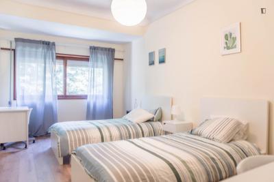 Pleasant twin bedroom in Paranhos