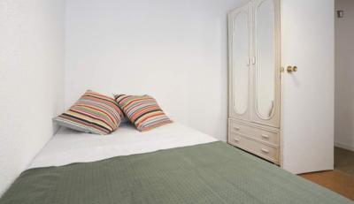Cute double bedroom near the Parque de las Avenidas metro