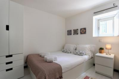 Fresh double bedroom in Rossio