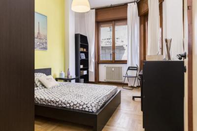 Sunny double bedroom near Parco Vittorio Formentano