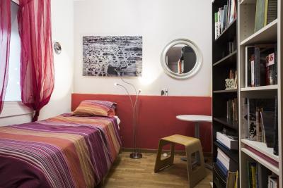 Swell single bedroom located near the Arc de Triomf metro station