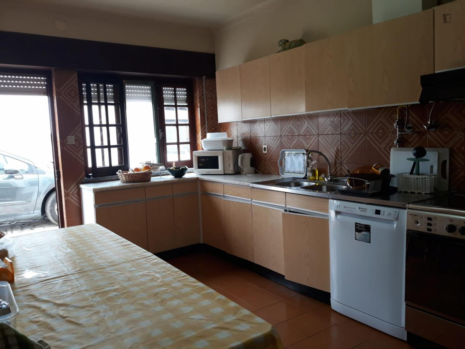 Rua Andrade, Atouguia da Baleia, PT-10 - 600 EUR/ month