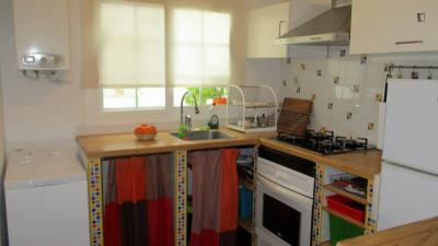 Comfortable 2-bedroom apartment close to Ayora metro station