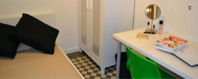 Lovely single bedroom close to Eva Duarte Park