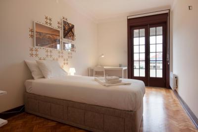 Einbettzimmer in 9-Schlafzimmer Haus
