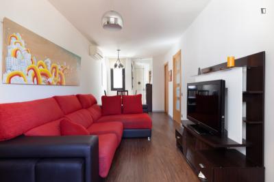 Bright  2-bedroom apartment near Parc del Clot