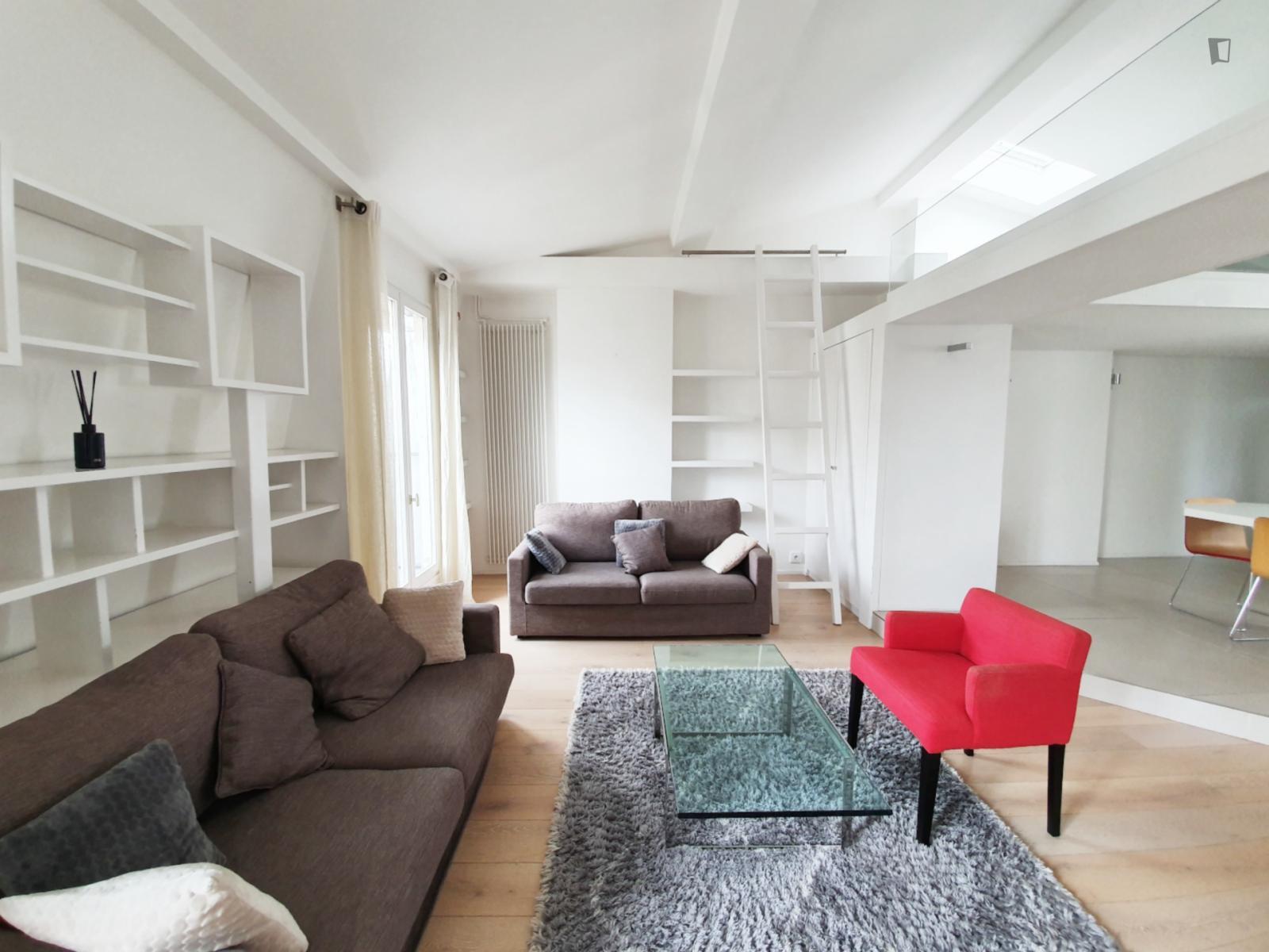 Rue Yvon Villarceau - 2400EUR / month