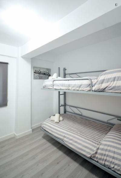 Nice bunk bedroom in a 3-bedroom apartment near Sant Marcel·lí church