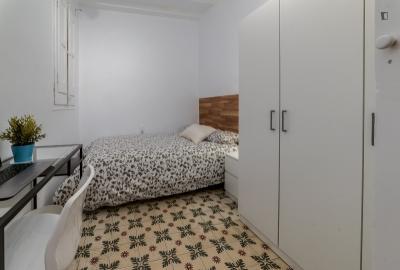 Double bedroom close to Urquinaona metro station