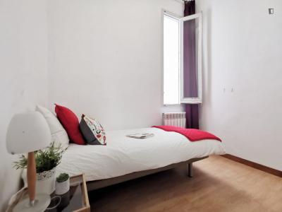Humble single bedroom near Parque de Atenas