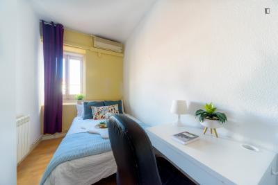 单人床卧室 in 10-卧室 公寓