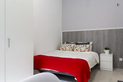 Inviting double bedroom in lively Malasaña