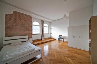 Spacious single bedroom near Rosenheimer Platz train station