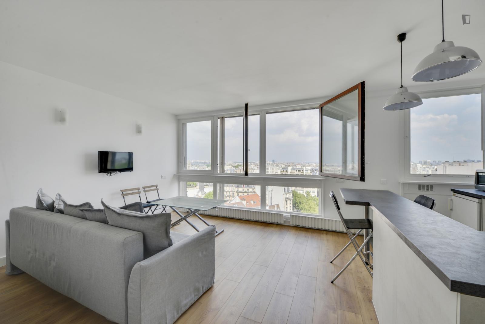 29 Boulevard Edgar Quinet, 14th arrondissement of Paris, FR-75 - 1,350 EUR/ month