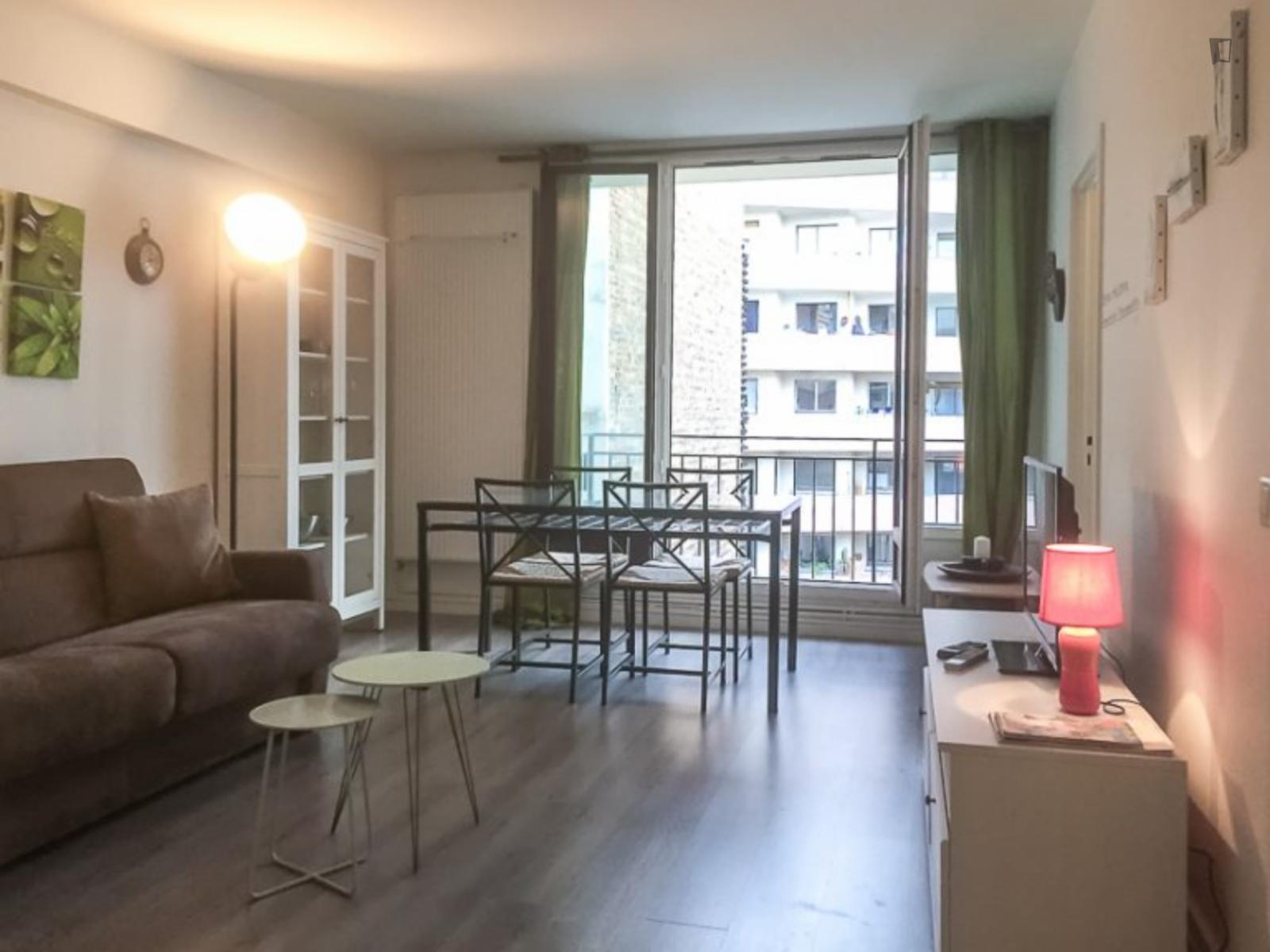 Rue Achille Martinet, 18th arrondissement of Paris, FR-75 - 1,450 EUR/ month