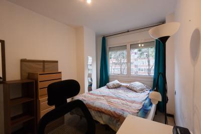 Pleasant double bedroom in the La Marina de Port neighbourhood