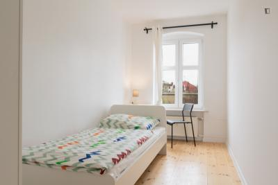 Great single bedroom in Kreuzberg
