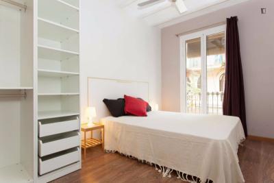 Wonderful 2-bedroom apartment in Hostafrancs