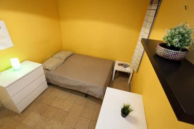 双人床卧室 in 6-卧室 公寓