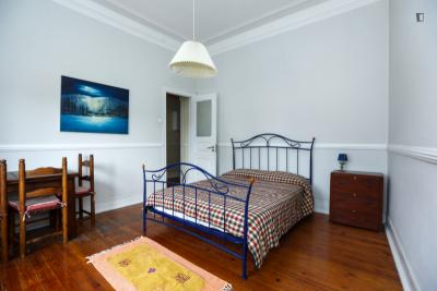 Appealing double bedroom in Benfica