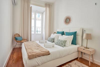 Homely 3-bedroom apartment near Praça Luís de Camões