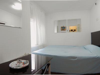 Double ensuite bedroom with an internal patio close to Universidad Antonio de Nebrija