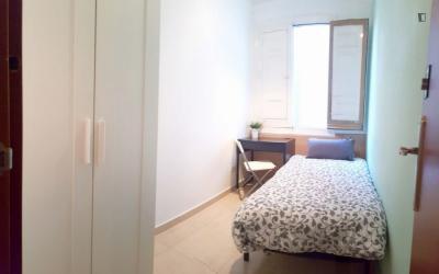 Bright single bedroom in cool Atocha