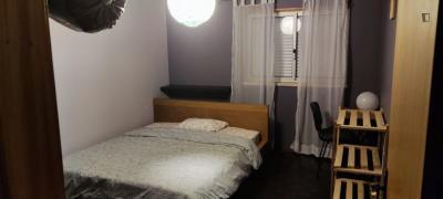 Cool double bedrooms in Almada