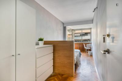 Wonderful double bedroom with a balcony, in Mestalla
