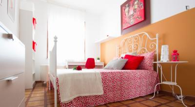 Very nice double bedroom in Arco della Pace