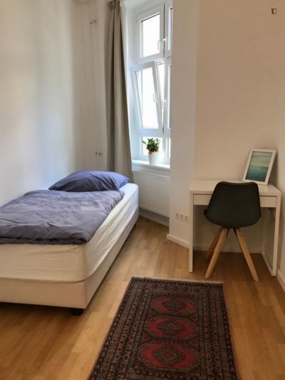 Great single bedroom in Schöneberg