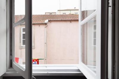 Chambre simple dans une résidence