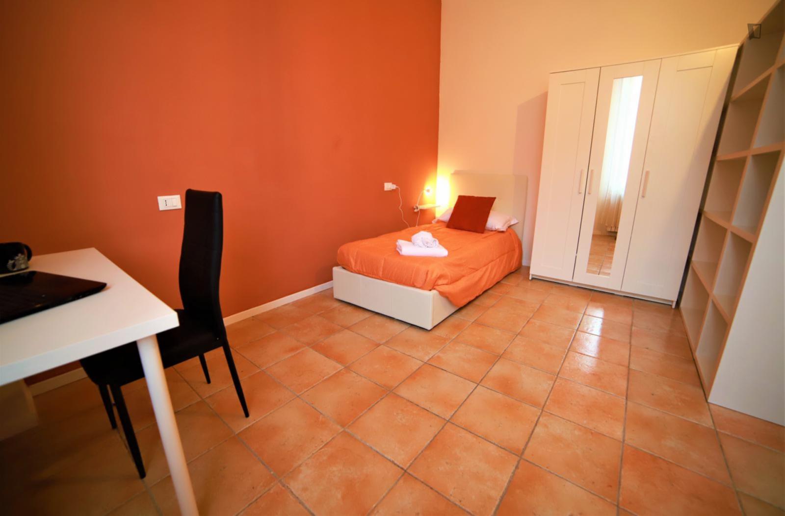 Via Berretta Rossa, Bologna, IT-BO - 430 EUR/ month
