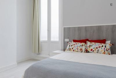 Marvellous double bedroom in trendy Malasaña