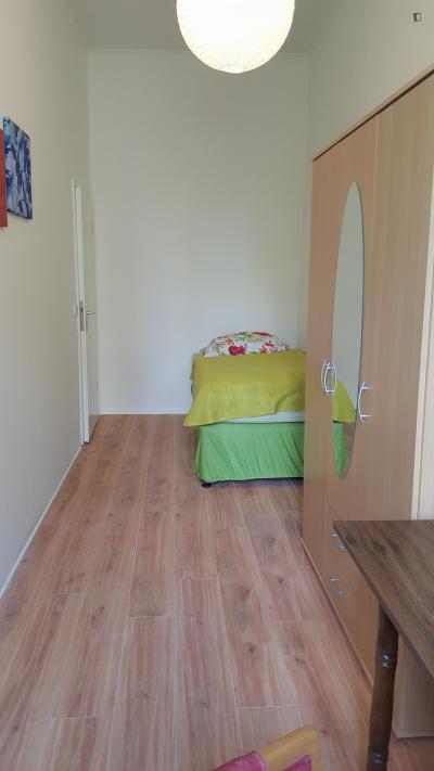 Pleasant single bedroom in Moabit