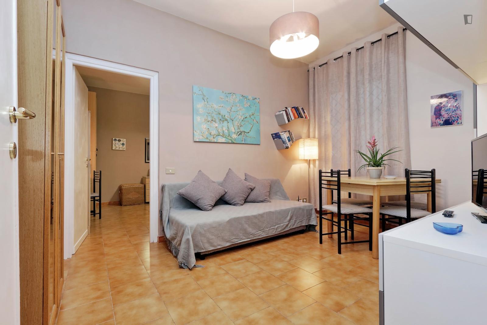 Via Magliano Sabina int 2, Rome, ME - 790 USD/ month