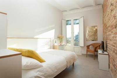 Modern studio in trendy La Sagrada Familia