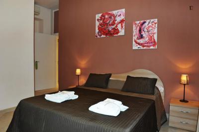 Bright double ensuite bedroom in Trionfale neighbourhood