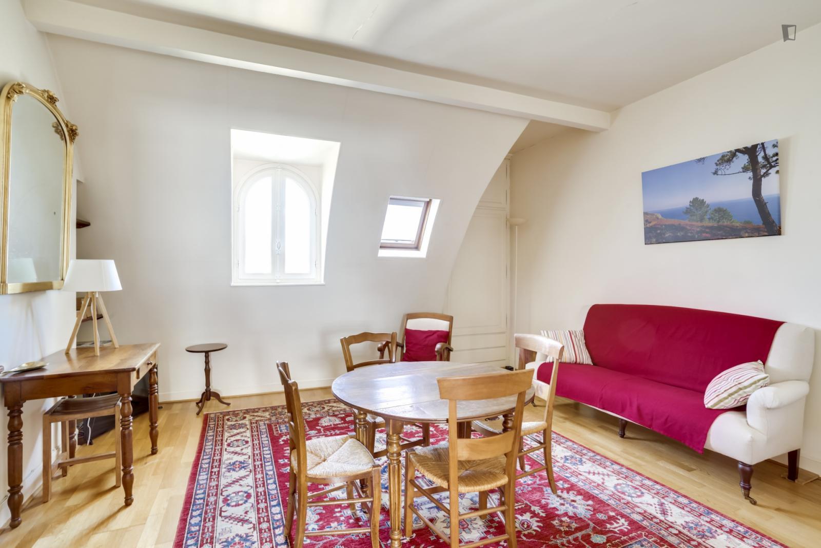 Avenue Ledru Rollin, 11th arrondissement of Paris, FR-75 - 2,350 EUR/ month