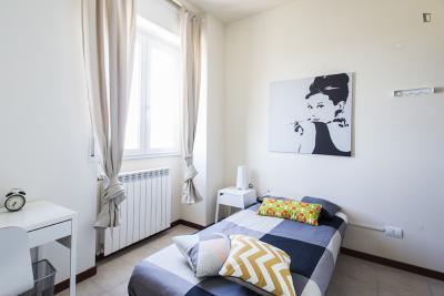 Comfy single bedroom in Derganino
