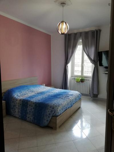 Welcoming double bedroom in Tor Vergata