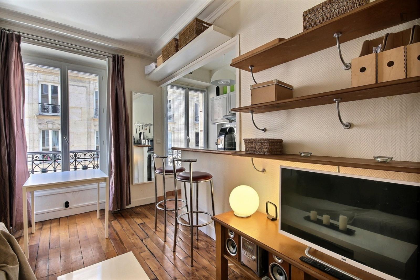 rue de Vaugigard, 15th arrondissement of Paris, FR-75 - 1,539 EUR/ month