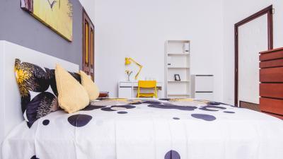 Doppelzimmer in 8-Schlafzimmer Wohnung